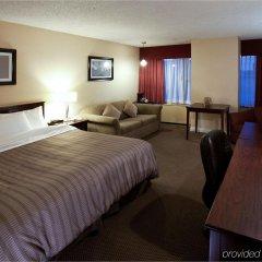 Отель Sandman Hotel Calgary City Centre Канада, Калгари - отзывы, цены и фото номеров - забронировать отель Sandman Hotel Calgary City Centre онлайн комната для гостей фото 3