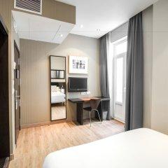 Отель Petit Palace Plaza de la Reina Валенсия удобства в номере фото 2