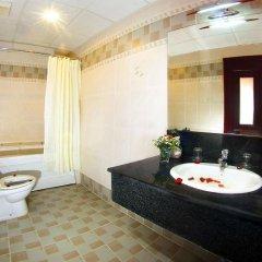 Отель Sunny Hotel Вьетнам, Нячанг - 9 отзывов об отеле, цены и фото номеров - забронировать отель Sunny Hotel онлайн ванная