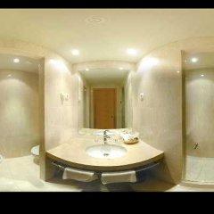 Отель Cityexpress Santander Parayas Испания, Сантандер - отзывы, цены и фото номеров - забронировать отель Cityexpress Santander Parayas онлайн ванная фото 2