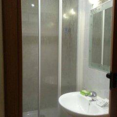 Отель Hostel Mirentxu Испания, Мадрид - отзывы, цены и фото номеров - забронировать отель Hostel Mirentxu онлайн ванная