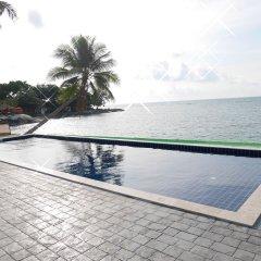 Отель Sarocha Villa бассейн фото 3