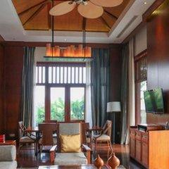Отель Anantara Sanya Resort & Spa интерьер отеля