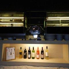 Отель Smartline Eriyadu Мальдивы, Северный атолл Мале - 1 отзыв об отеле, цены и фото номеров - забронировать отель Smartline Eriyadu онлайн гостиничный бар
