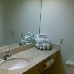 Отель Grand Plaza Hotel Гуам, Тамунинг - 1 отзыв об отеле, цены и фото номеров - забронировать отель Grand Plaza Hotel онлайн ванная
