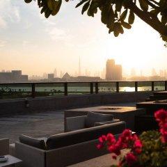 Отель Jumeirah Creekside Дубай приотельная территория