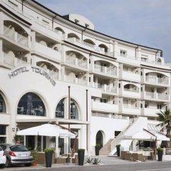 Отель Touring Римини вид на фасад