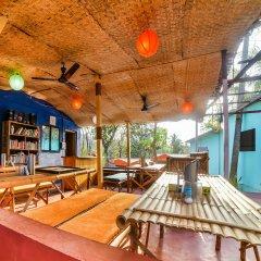 Отель OYO 37027 Bloo Resort Гоа гостиничный бар