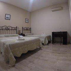 Отель Hostal El Pilar сейф в номере