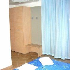 Отель Etoile Римини сейф в номере