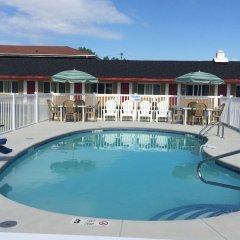 Отель Caravan Motel США, Ниагара-Фолс - отзывы, цены и фото номеров - забронировать отель Caravan Motel онлайн бассейн фото 2