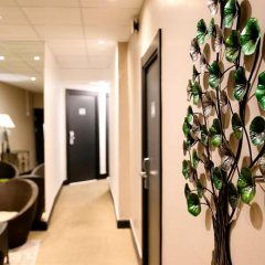 Отель Kyriad Nice Gare Франция, Ницца - 13 отзывов об отеле, цены и фото номеров - забронировать отель Kyriad Nice Gare онлайн интерьер отеля фото 3