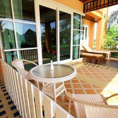 Отель The Chalet Phuket Resort Таиланд, Пхукет - отзывы, цены и фото номеров - забронировать отель The Chalet Phuket Resort онлайн балкон