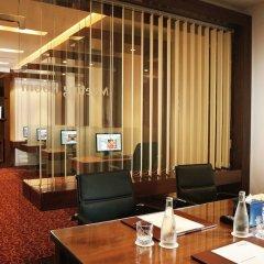 Отель Khalidiya Palace Rayhaan by Rotana, Abu Dhabi интерьер отеля фото 3