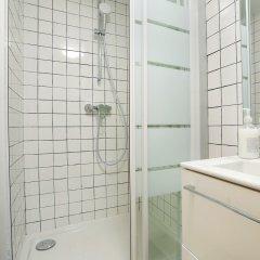 Отель Clery Studio Франция, Париж - отзывы, цены и фото номеров - забронировать отель Clery Studio онлайн ванная