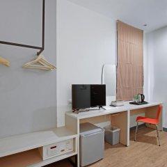 Отель D Varee Xpress Makkasan Таиланд, Бангкок - 1 отзыв об отеле, цены и фото номеров - забронировать отель D Varee Xpress Makkasan онлайн удобства в номере фото 2
