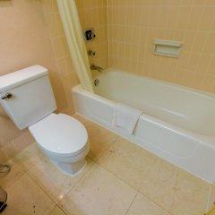 Отель Hilton Colombo Шри-Ланка, Коломбо - отзывы, цены и фото номеров - забронировать отель Hilton Colombo онлайн ванная фото 2