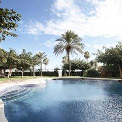 Отель Prestige Victoria Hotel Испания, Курорт Росес - 1 отзыв об отеле, цены и фото номеров - забронировать отель Prestige Victoria Hotel онлайн бассейн фото 3