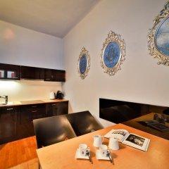 Апартаменты Prague Castle Questenberk Apartments в номере