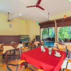 Отель OYO 7401 Xavier Beach Resort Индия, Кандолим - отзывы, цены и фото номеров - забронировать отель OYO 7401 Xavier Beach Resort онлайн питание фото 2
