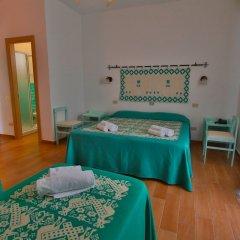 Hotel Le Mimose сейф в номере