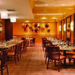 Beacon Hotel & Corporate Quarters питание фото 2
