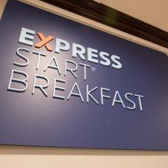Отель Holiday Inn Express Kennedy Airport США, Нью-Йорк - 2 отзыва об отеле, цены и фото номеров - забронировать отель Holiday Inn Express Kennedy Airport онлайн удобства в номере фото 2