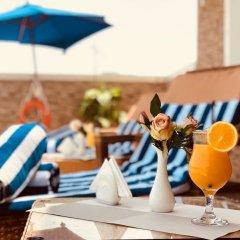 Отель Al Salam Grand Hotel-Sharjah ОАЭ, Шарджа - отзывы, цены и фото номеров - забронировать отель Al Salam Grand Hotel-Sharjah онлайн гостиничный бар