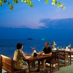 Отель Lomtalay Chalet Resort питание фото 3