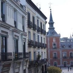 Отель Hostel A Nuestra Señora de la Paloma Испания, Мадрид - 1 отзыв об отеле, цены и фото номеров - забронировать отель Hostel A Nuestra Señora de la Paloma онлайн балкон