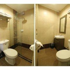 Отель OYO 106 24H City Hotel Филиппины, Макати - отзывы, цены и фото номеров - забронировать отель OYO 106 24H City Hotel онлайн ванная фото 2