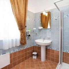 Отель Kunesias B&B Италия, Чинизи - отзывы, цены и фото номеров - забронировать отель Kunesias B&B онлайн ванная