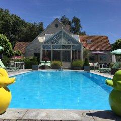 Отель Charmehotel Het Bloemenhof Бельгия, Брюгге - отзывы, цены и фото номеров - забронировать отель Charmehotel Het Bloemenhof онлайн бассейн