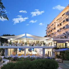 Отель Atlantic Италия, Риччоне - отзывы, цены и фото номеров - забронировать отель Atlantic онлайн вид на фасад фото 2