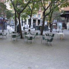 Отель Madrid Motion Hostels бассейн