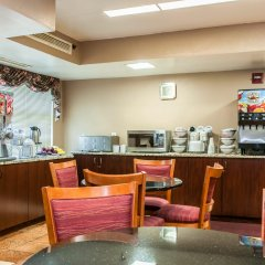 Отель Clarion Inn & Suites Northwest питание