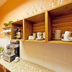 Гостиница Coffee Hostel в Санкт-Петербурге 7 отзывов об отеле, цены и фото номеров - забронировать гостиницу Coffee Hostel онлайн Санкт-Петербург питание фото 3