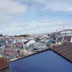 Отель Sleep In Dalat Hostel Вьетнам, Далат - отзывы, цены и фото номеров - забронировать отель Sleep In Dalat Hostel онлайн балкон