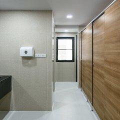 Travelier Hostel Бангкок ванная фото 2