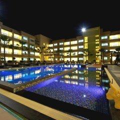 Отель Jasmine Resort Sriracha бассейн