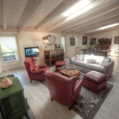 Отель La Foresteria - 3 Br Villa Вербания комната для гостей