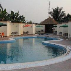 Отель Transcorp Hotels бассейн