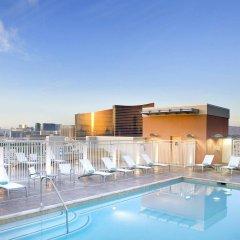 Отель SpringHill Suites Las Vegas Convention Center бассейн