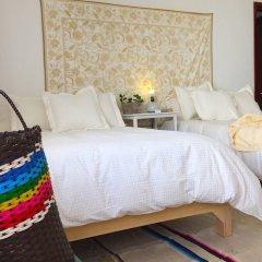 Отель Casa Canario Bed & Breakfast сейф в номере