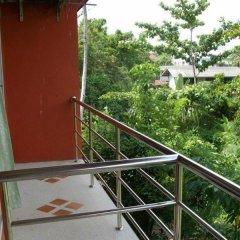 Отель Baan To Guesthouse Таиланд, Краби - отзывы, цены и фото номеров - забронировать отель Baan To Guesthouse онлайн балкон