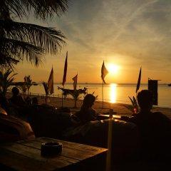 Отель Koh Tao Beachside Resort Таиланд, Остров Тау - отзывы, цены и фото номеров - забронировать отель Koh Tao Beachside Resort онлайн пляж фото 2