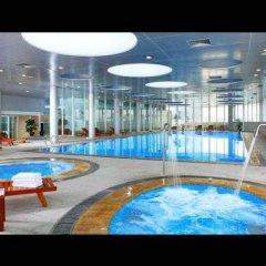 Peony International Hotel бассейн