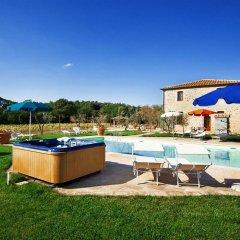 Отель Antico Casale Италия, Сан-Джиминьяно - отзывы, цены и фото номеров - забронировать отель Antico Casale онлайн бассейн