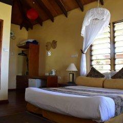 Отель Club Fiji Resort сейф в номере