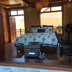 Отель Khamy Riverside Resort сейф в номере